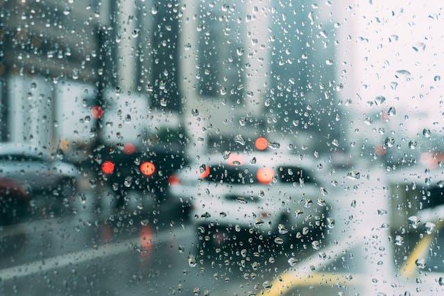 conduire sous la pluie