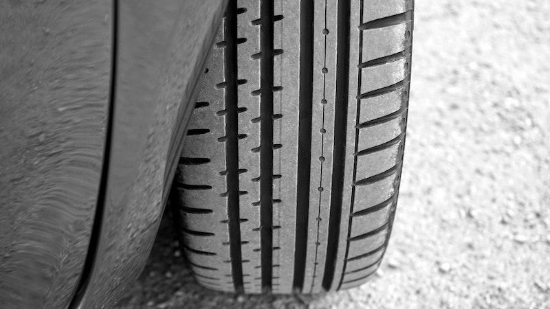 Comment bien nettoyer et entretenir ses pneus ?