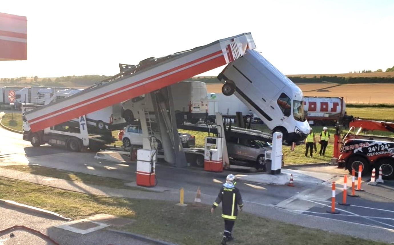 Un accident insolite dans une station essence