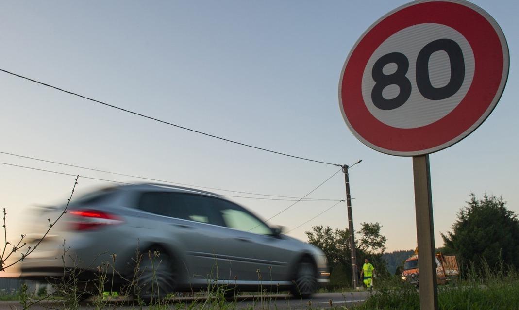 Limitation à 80km/h : les panneaux sont prêts