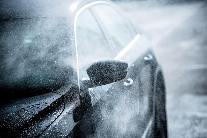Pourquoi faut-il laver sa voiture en station de lavage