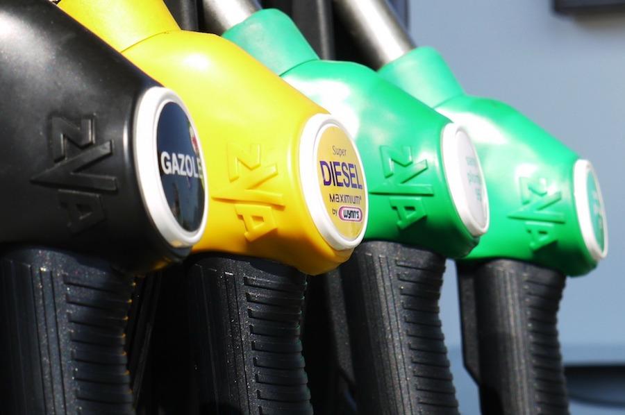Différence entre carburant de stations service et supermarché