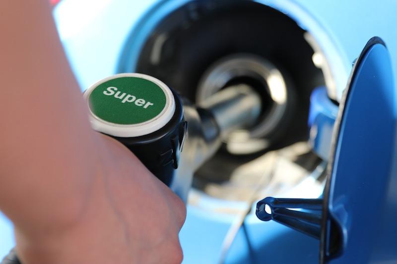Carburant : comment trouver les stations les moins chères en vacances ?